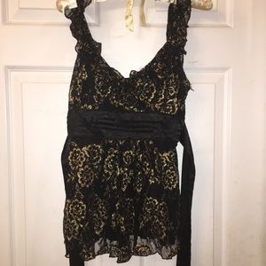 Pretty rampage black & gold lace Cali top-size med